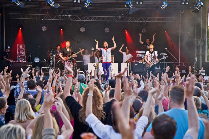X-Plosive Partyband live